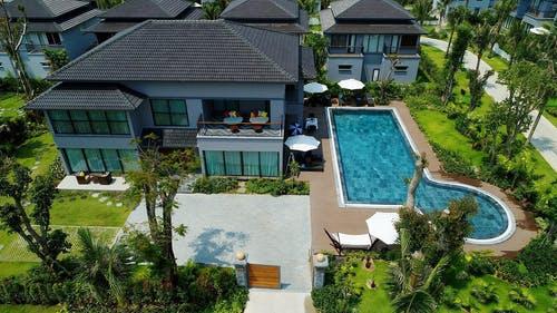 bazén dům